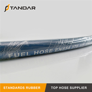 SAE J30 R10 Hydraulic Rubber Fuel Hose in Tank